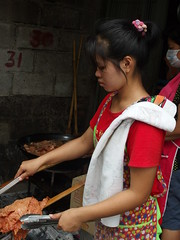 Khlong Toey (seemabmiah) Tags: cooking girl bangkok slum toey khlong