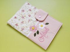Capa para caderneta de vacinação (Meia Tigela flickr) Tags: baby sewing artesanato capa artesanal sew bebê nome tecido bordado costura personalizado vacinação caderneta