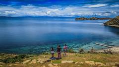 Isla del sol (Nicols Robles Fritz) Tags: blue girls sky lake titicaca beauty canon landscape lago bolivia paisaje