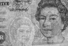 FIVER 2 (tubblesnap) Tags: up closeup see elizabeth close bank queen note adobe british through currency lightroom fiver 5