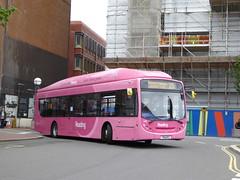 Reading Buses 430 YN14 MXZ on 25 (sambuses) Tags: 430 readingbuses yn14mxz pinkroutes