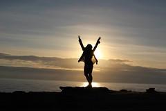 Hapiness (Amorestfutui) Tags: sunset pordosol portugal girl freedom falesia ericeira hapiness entardecer silhueta aoarlivre