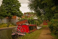 1295-07L (Lozarithm) Tags: aylesbury bucks canals guc narrowboats bicycles pentaxzoom k1 28105 hdpdfa28105mmf3556eddcwr bridges