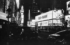 Times Square by Night, Manhattan, New York (Mathieu Cornillon) Tags: newyork nb argentique konicahexar tatsunis 24x36 ilfordhp5400800