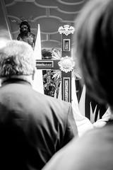 Crecer y creer (Pirata Larios) Tags: street espaa byn blancoynegro canon calle candid cruz paso espalda cristo nio hombre semanasanta procesion ceuta callejera 60d flagelacion flagelado carloslarios