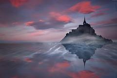Le th et biscuits  Mont Saint (Zz manipulation) Tags: art tramonto rosso riflessi francia sera isola ambrosioni zzmanipulation