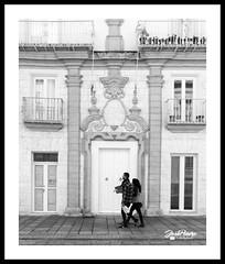 Street Photography. Punto de mira. (Mange) Tags: blancoynegro streetphotography estructura callejera