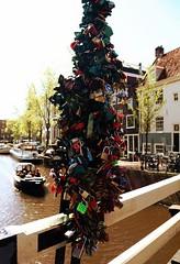 Cadenas (Adrien Duchtel) Tags: city bridge light amsterdam cadenas eau maisons rivire pont bateau ville
