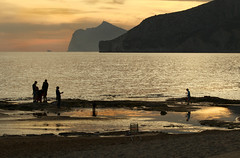 IMG_8012 People on the beach  - Seen in Explore - 2016-05-18 # 205 (jaro-es) Tags: españa beach me clouds canon landscape spain playa explore landschaft spanien platja waterscape calpe costablanca spanelsko eos70d