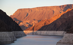 Lake Mead, Nevada/Arizona, USA (maxunterwegs) Tags: arizona coloradoriver eua estadosunidos goldenhour lakemead nevada reservoir us usa unitedstates tatsunis templebarmarina