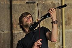 Viktor y kader (Jesus Castaeda del Moral) Tags: viktor calle guitarra violin musicos cantante kader