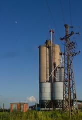 Moon and Silo. (mathematikaren) Tags: moon countryside village serbia farmland silo balkans easterneurope vojvodina electricaltower donauschwaben ravnoselo schowe vojvodenia