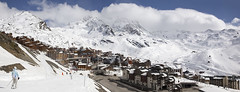 pan_150317_002 (123_456) Tags: schnee snow ski france alps les trois de vacances three 2000 pierre sneeuw val snowboard neige frankrijk alpen savoie mgm et wintersport thorens esf valleys piste 3v menuires vallees ancolie alpages reberty setam sevabel