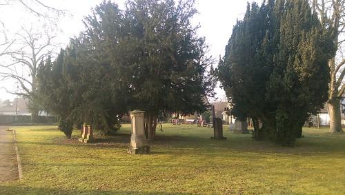 Park der evangelischen Kirche Selzen
