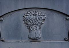// (romana klee) Tags: blue cemetery grave wheat zinc greenmount whitebronze