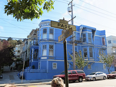 SFO - la maison bleue (DidierB77) Tags: sanfrancisco architecture style moderne bleu page maison rue monte ville ligne californie urbanisme etatsunis victorien