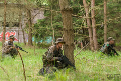 _MG_2018 (chaotenimsondereinsatz) Tags: portrait people trooper game germany soldier army deutschland war uniform gun fighter im action outdoor games krieg menschen weapon soldiers warrior guns cis weapons soldat soldaten armee personen airsoft waffe truppe softair chaoten waffen kmpfer sondereinsatz