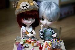 Je sais pas quoi manger, peut tre a. (Juju DollPassion) Tags: en favorite doll dolls scene eat chan manger nana ribbon pullip custom aoki nanachan mise ombeline arrietty