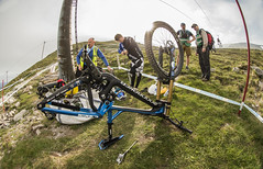 punctute station (phunkt.com™) Tags: world mountain cup bike race bill fort keith william valentine downhill event dh mtb uci shimano 2016 phunkt phunktcom