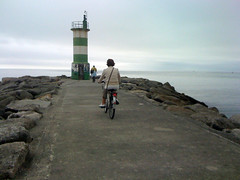 . . . (JosSantos) Tags: bike streetphotography bicicleta headlight farol fotografiaderua iphone3g