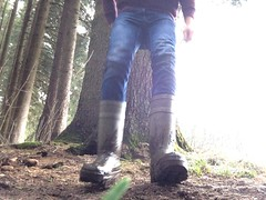 Dunlop Purofort (DunlopLuke) Tags: dunlop thermo manure dirty thermos purofort dunlopthermo dunloppurofort boots rubberboots rubber farm farmer mud mudding liquidmanure farmmud farmguy farmerboy farmerboots gayboots dirtyboots