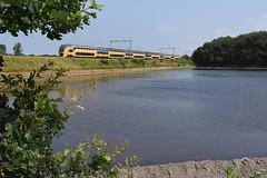 Temporary pond and VIRM 8741 at Hillegom, July 23, 2016 (cklx) Tags: hillegom bollenstreek virm slt water watervlakte onderwater inundatie