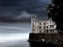 Castello di Miramare (Steffi-Helene) Tags: miramareschlos castles chateau lightimpressions lightandshadow solarization vacances europe reisen voyage lamer ammeer seaside
