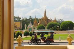 Royal Palace, Phnom Penh (asitrac) Tags: travel asia cambodia southeastasia phnompenh kh siemreap royalpalace indochina angkorthom siemreapprovince phnompenhdistrict angkorarcheologicalpark angkorarchaeologicalpark royalpalacearea
