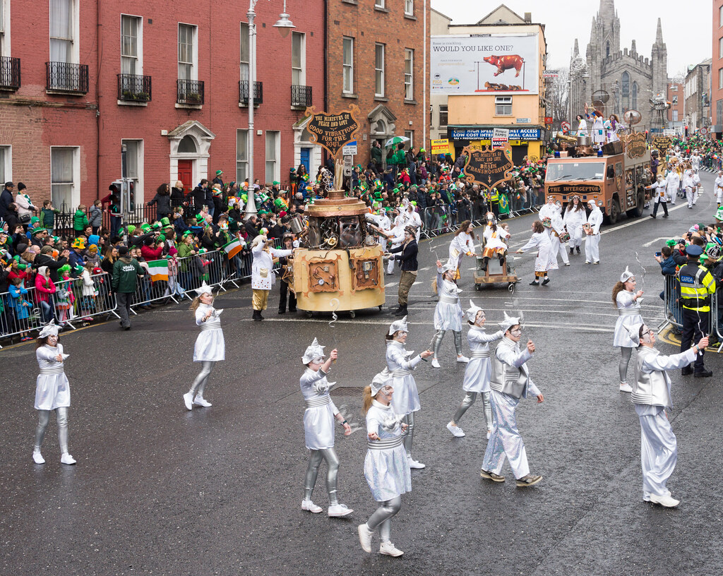 """INISHOWEN CARNIVAL GROUP """"THE MINISTRY OF PEACE AND LOVE"""" ST. PATRICK'S PARADE 2015- REF-102313"""