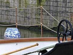 Blue of Delft - Bleu de Delft (p.franche) Tags: brussels faence boat europe belgium belgique bruxelles bateau pniche lys brussel ghent gent barge gand tourisme leie touristic earthenware corde belge pascalfranche pfranche bleudedelft bueofdelft