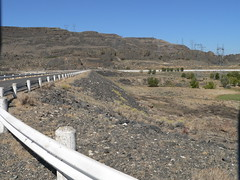 025-04 USA, Washington, Grand Coulee, Banks Lake Rest Area Causeway to Dam (Aristotle13) Tags: wa bankslake grandcoulee washingtonstate restarea 2007 usavacation