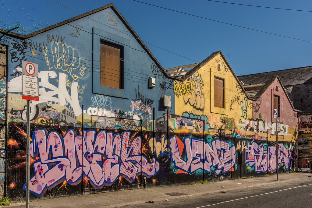 WINDMILL LANE STUDIO HAS BEEN DEMOLISHED { THE GRAFFITI WALLS ARE STILL STANDING] REF-103782