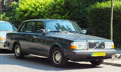 1990 Volvo 240 DL Automatic (peterolthof) Tags: volvo groningen 240 yt62ld