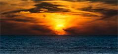 Un autre monde.... (Althe) Tags: world ocean light sun clouds soleil lumire nuages