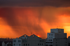 Chuva ao entardecer (Ars Clicandi) Tags: sunset pordosol brazil cloud sol rain brasil do saopaulo chuva paulo nuvem sao por entardecer
