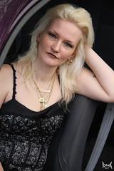 My Muse in her car #2 (YobeK) Tags: mijnmuze mymuse blonde eyesblue stoer strong foxylady yobekakajohankuhlemeier lekker nice