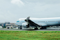 _MG_1119 (WayChen_C) Tags: aircfaft airplane rckh khh boeing 747 747400 cathaypacific bhui