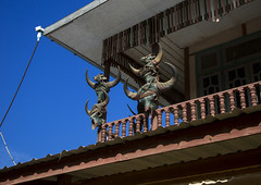 Buffalos And Gaurs Skulls On A Chin House, Mindat, Myanmar (Eric Lafforgue) Tags: house horizontal photography skull asia day symbol balcony burma belief bluesky nobody nopeople totem ox sacred myanmar tribe minority burmese chin anthropology sacrifice symbolism ethnology beliefs birmanie gaur traveldestinations mithun  birmania mianmar animist  mindal  mindat   barma chinstate  mianm      birmanya    mjanmar mjanmarsko pa burma1076