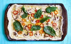 Veggie Pizza (Afner Hernndez) Tags: food colors vegetables photography sony olive tasty pizza oil veggies alpha spinach