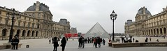 Parigi (CarloAlessioCozzolino) Tags: people paris france museum persone panoramica museo francia parigi muséedulouvre panoramicview museodellouvre