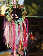 Head Lei ribbons 8698PatLam (Studio5301) Tags: costumes festival kids children drums kilt bellydancer drummer faire clan renaissancefaire chld arizonarenaissancefestival fairycostumes studio5301 festivalsinphoenix patricialam patricialamphotographycom
