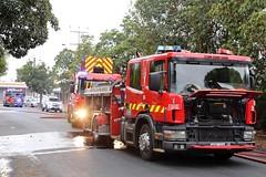 Keeping cool (adelaidefire) Tags: fire south australian australia service sa metropolitan metz scania mfs forestville 0190 rosenbauer 1401 samfs sasgar