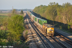 Up 8062 cresting the hill at Medill. (Machme92) Tags: railroad morning sky usa sun up clouds nikon union rail row rails ge railfan railroads 7200 railroading railfanning gevo railfans unionpacifc d7200 nikond7200
