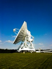 Radio telescope Poland (krzysztof_los) Tags: radio star phone poland polska lg telescope universe fm cosmos lunette spyglass luneta teleskop l5 umk piwnice e610