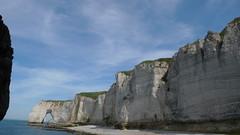 Etretat - Une promenade sur les falaises jusqu' la plage du Tilleul (jeanlouisallix) Tags: panorama mer france soleil eau cte ciel maritime normandie paysage falaise plage craie etretat tourisme haute sine galets estran dalbatre