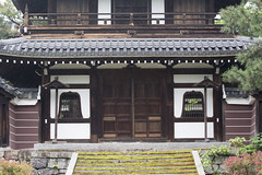 The Entrance to the Kaisand  (PV9007 Photography) Tags: new summer green japan temple spring kyoto sommer zen    gion grn kansai  oldest  tempel frhling   higashiyama   kenninji  rinzai  ltester shinryoku    rinzaishu aomomiji