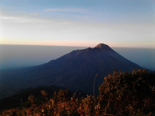 "Pengembaraan Sakuntala ank 26 Merbabu & Merapi 2014 • <a style=""font-size:0.8em;"" href=""http://www.flickr.com/photos/24767572@N00/27067823182/"" target=""_blank"">View on Flickr</a>"