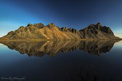Vestrahorn Islande (EtienneR68) Tags: sea mer mountain reflection nature water montagne landscape iceland nikon eau reflet paysage islande vestrahorn d810