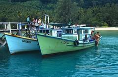 Pulau Tioman, Pier at Juara (blauepics) Tags: sea water ferry landscape boats island coast pier meer wasser ships boote insel malaysia landschaft tioman pulau fhre schiffe malay kste juara