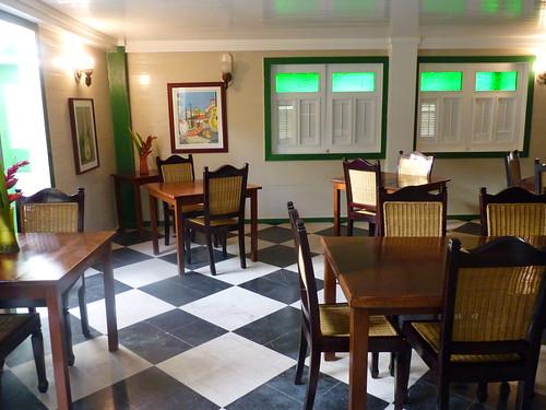 Jayuya, Hacienda Gripinas dining room